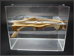 水に浮く竹製メガネフレーム